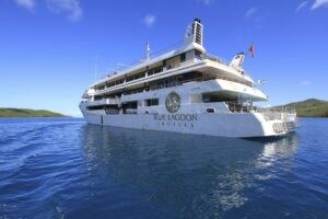 Blue Lagoon Cruise – Fiji Princess